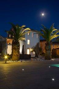 Full moon on the terrace - Twilight Property Photography